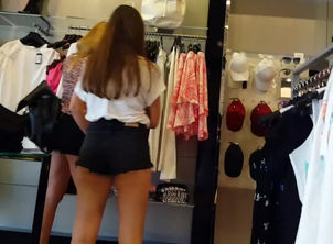 Spycam on gorgeous latina nymphs in..