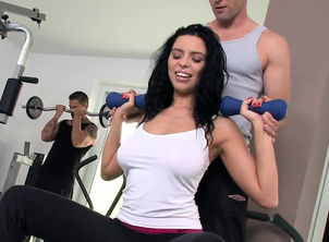 Busty cutie doublepenetrated at the gym