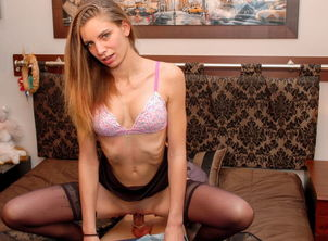 AmateurEuro - Uber-cute Virgin Lindsay..